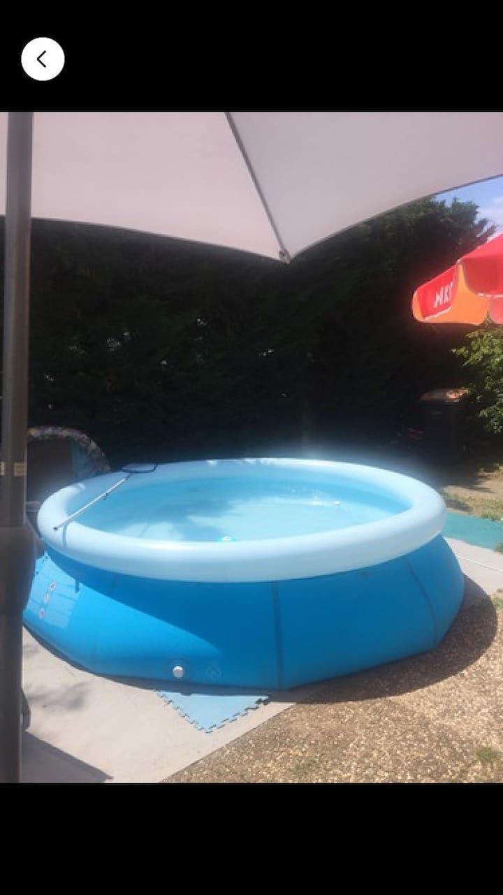 Maison avec petite piscine