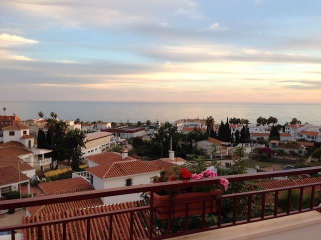 Fantástico Piso de dos dormitorios - Vélez-Málaga - Condominium