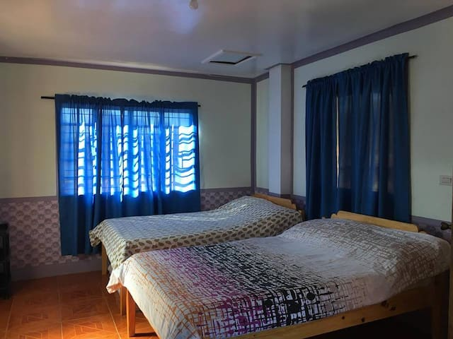 SAGADA VILLAGE BEDS Couple/ Family Room (2-5 pax)