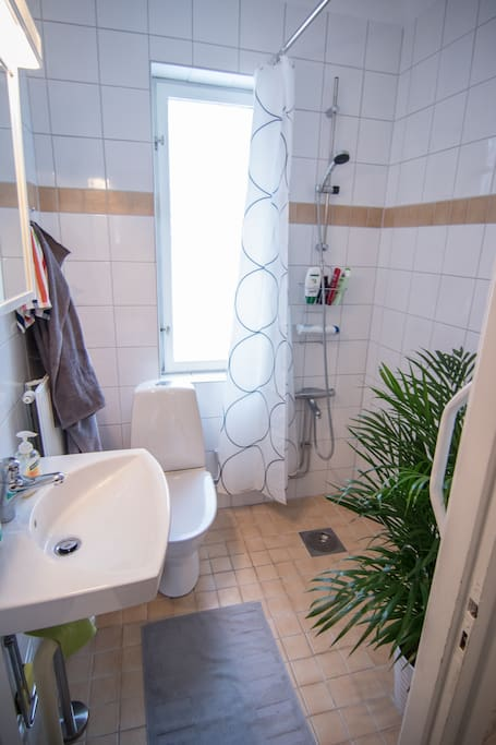 High standard bathroom with heated floor.