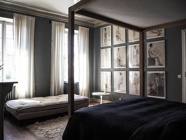 room 4 · Groovy B & B in the South of France