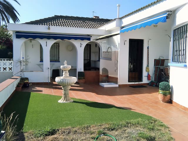 106D - Individual house with large garden - Cambrils - Villa