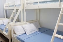 Cozy Cabin Room #1 (Good for 6 pax) San Juan L.U.
