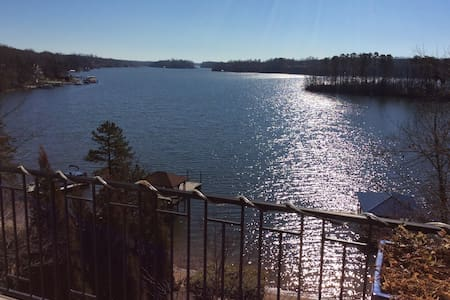 Lake Norman Retreat - Statesville