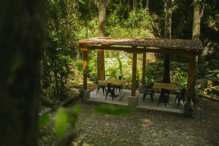 One of the common areas that will soon be part of our coffee shop (Una de nuestras áreas comunes que pronto será un restaurante)
