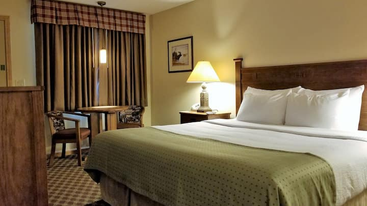 Top Notch Inn | Executive King Room