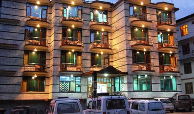 Hotel Rudra Palace, Manali