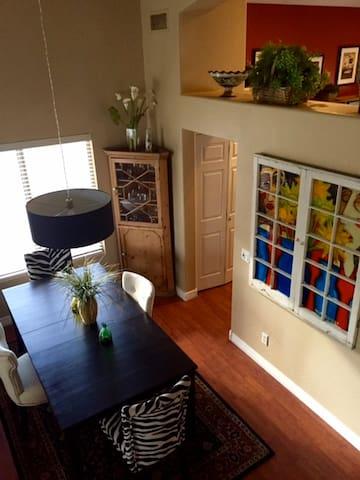 Cozy room in N. Scottsdale