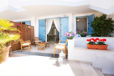 Bright apartment a few steps from beach of Salento