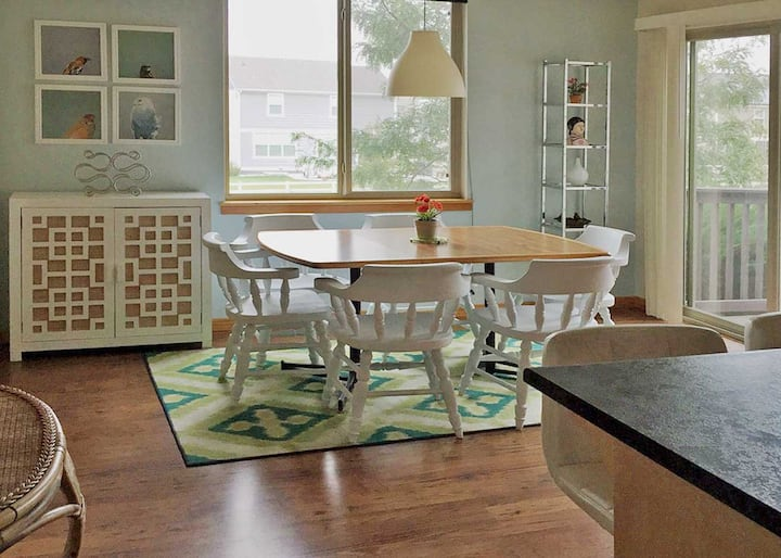 Cheerful Home-Away-from-Home