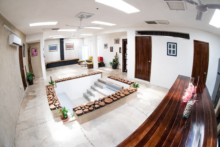 LOFT CON JACUZZI FAMILIAR TIPO PISCINA- 2A5-MERIDA