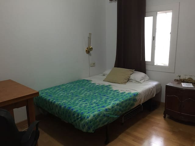 Bedroom in Sant Boi - Sant Boi de Llobregat
