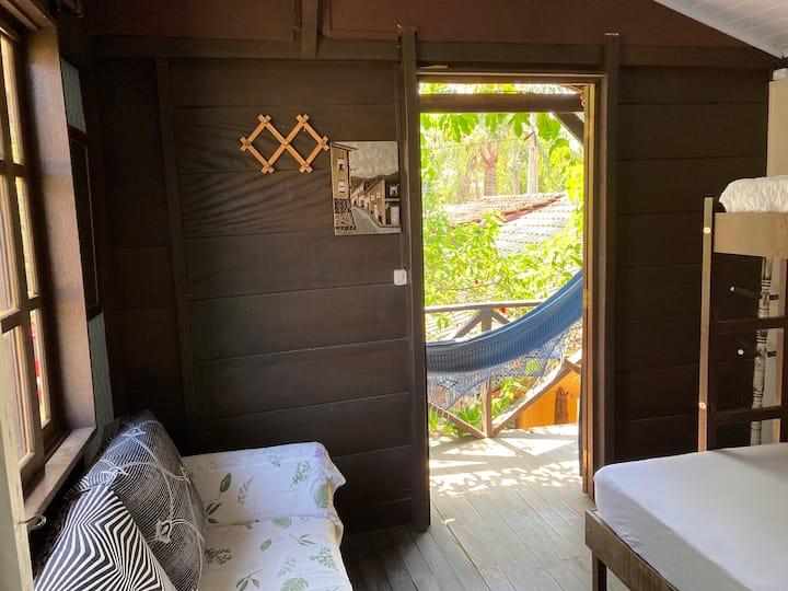 Mini Cabana em meio ao verde