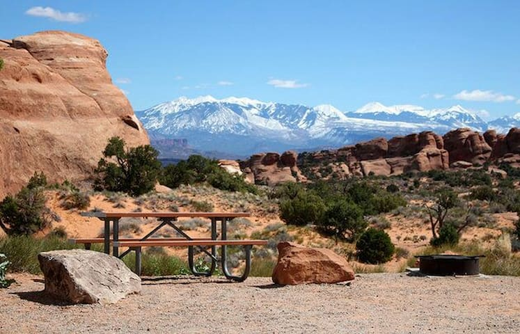 Find fun off grid in Moab with our Fun Finder RV - Moab - Trailer