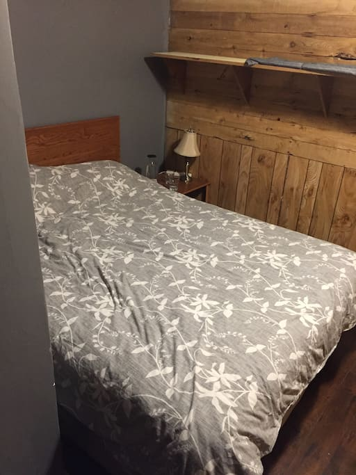 100% Cotton Linens,  Queen Sized Orthopaedic Bed & Boxspring