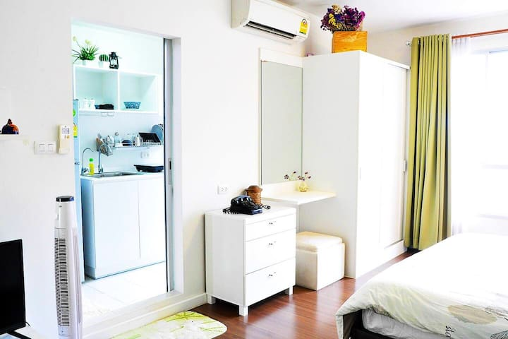 Lovely Room inside /公寓内部