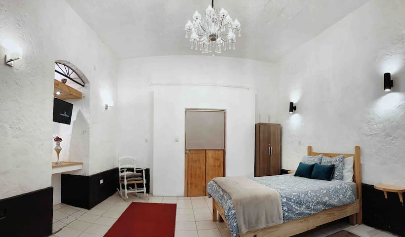 A Stunning Historical Apt In The Centre of AQP