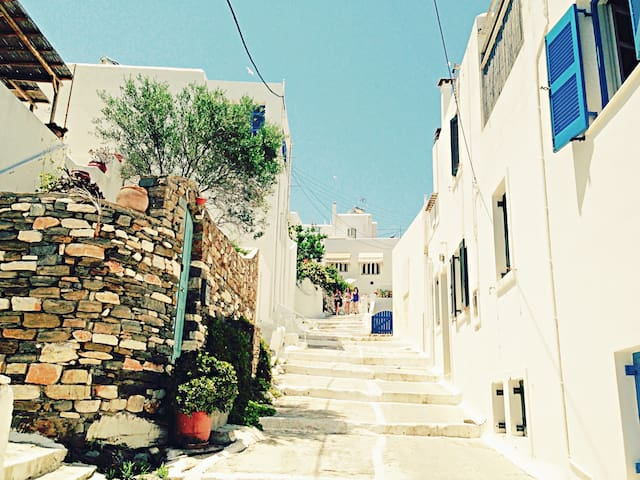 Right in the Heart of Naoussa ! - Paros - Rumah