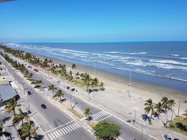 Apartamento em Peruíbe, de frente para a praia