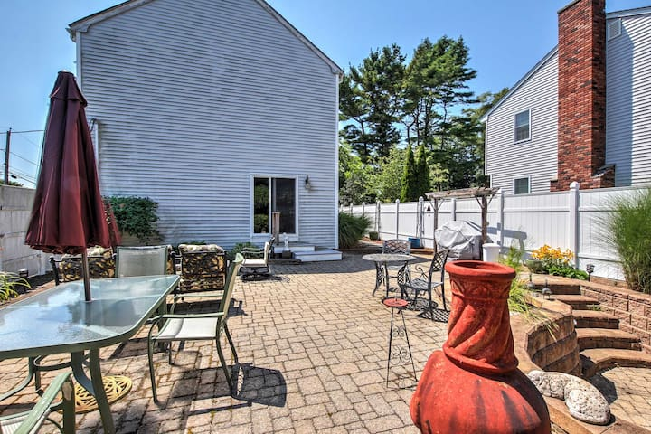 NEW! 3BR Wakefield House - Steps from the Marina!