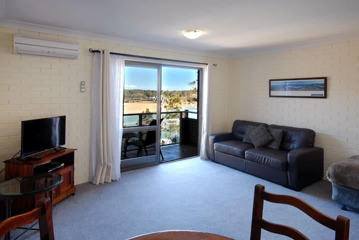 1 Bedroom Riverview apartment