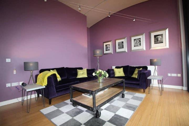 Luxury Apartment (A) with Sunny Balcony Altrincham