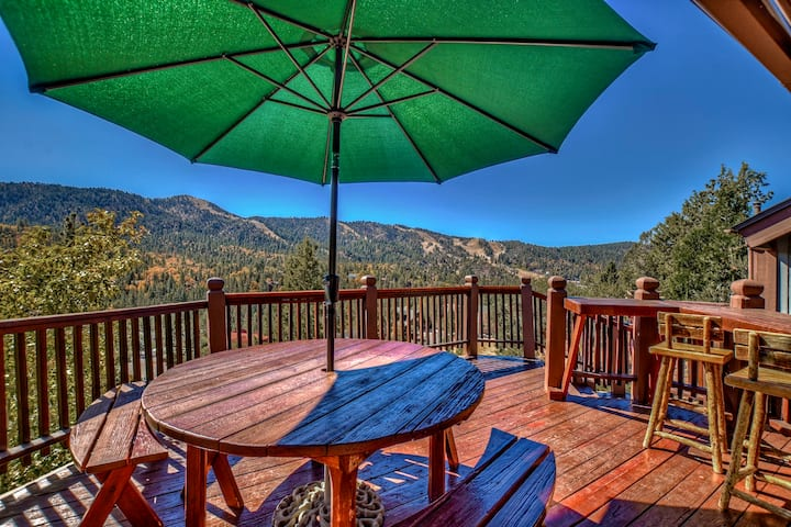 3BR By Bear Mtn! Hot Tub, Garage & WiFi!