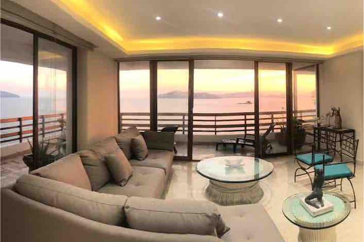 Súper apartamento de lujo con vista a la bahía.