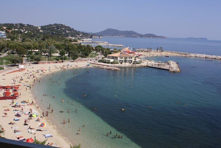 Location de vacances Toulon Appartement face à la plage du mourillon