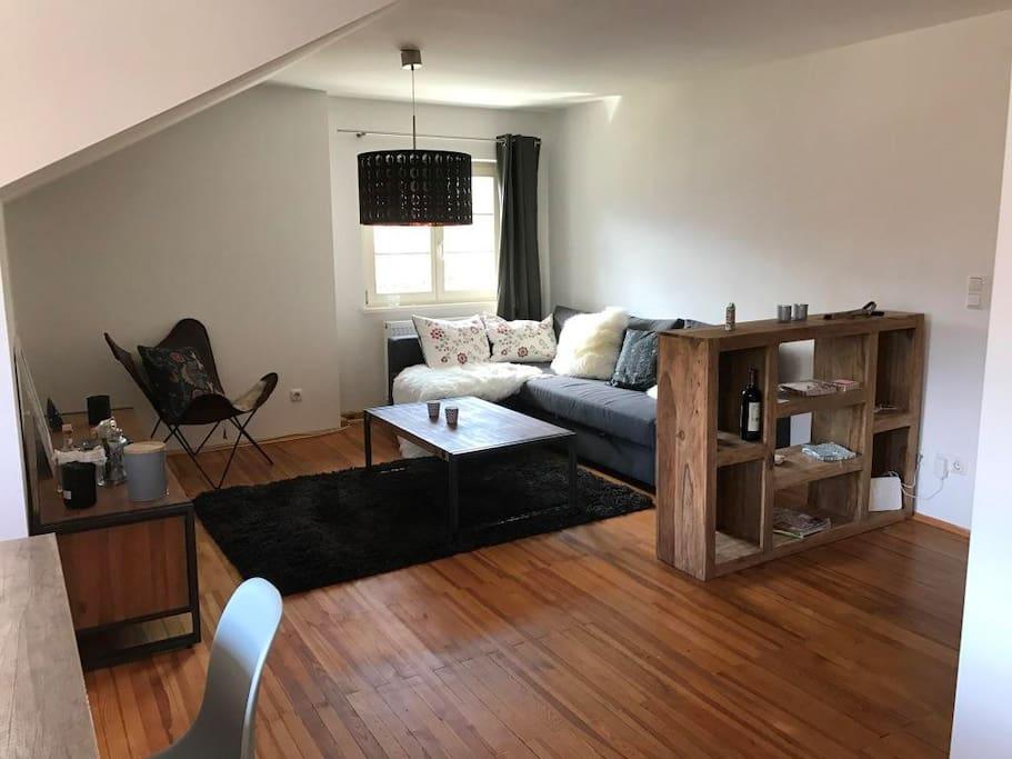 3 zimmer dachgeschoss wohnung mit bergblick wohnungen zur miete in garmisch partenkirchen. Black Bedroom Furniture Sets. Home Design Ideas