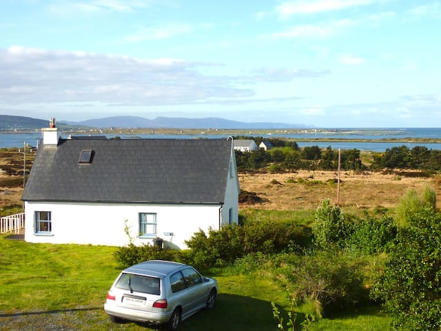 Beautiful Cosy Cottage on Donegal Atlantic Coast - Keadue Lower - Ev