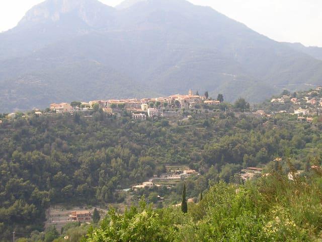 Côte azur appart calme Castellar
