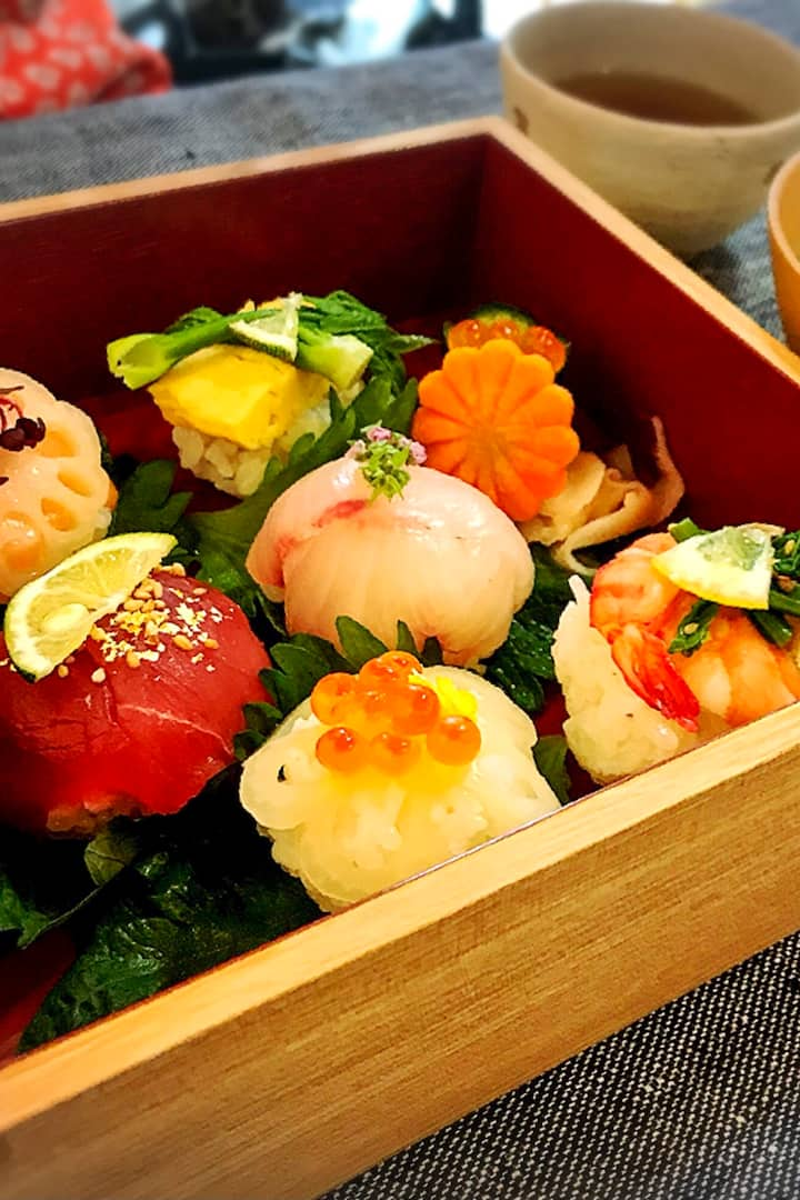 Seasoning ball sushi