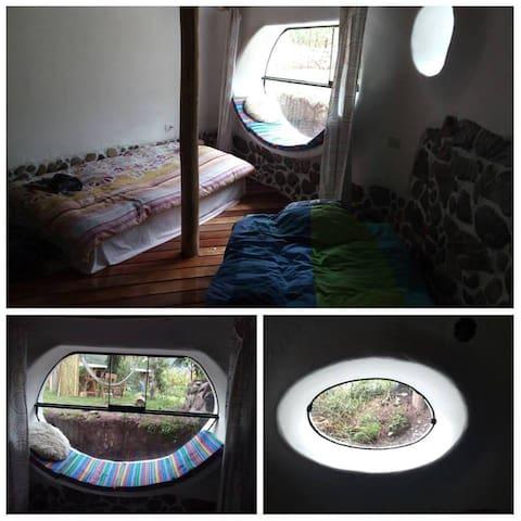 Habitación 3 : (por 2 personas, incluido baño privado)