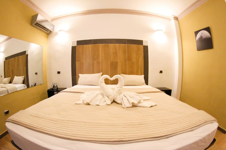 FrioHot-Deluxe Room with Breakfast and Jacuzzi