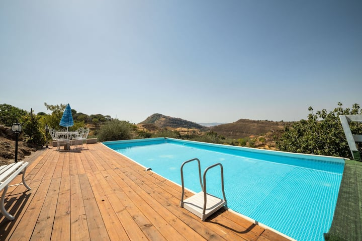 Serene Villa in Nissoria with Private Pool and Garden