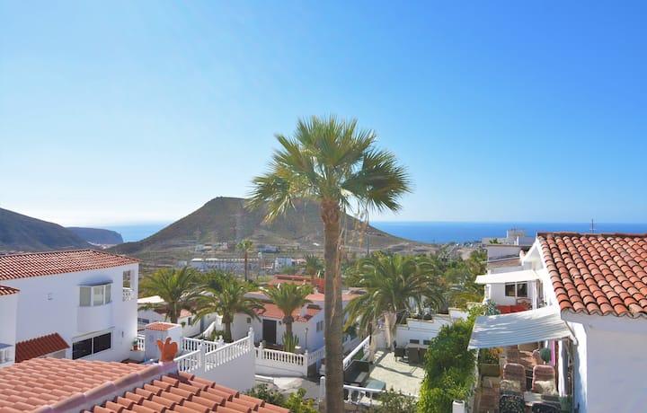Apartamento en Villa Privada, con vistas al mar.
