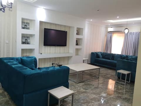 Luxurious Pent House Apartment For Short Stay