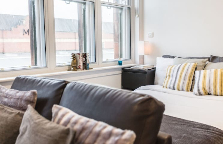 City Centre Apartment in Listed Building -  Apt 23 Milburn - The Bruce Building