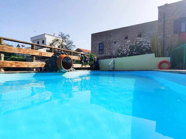 Casa rural con piscina La Atarjea en Tenerife Sur