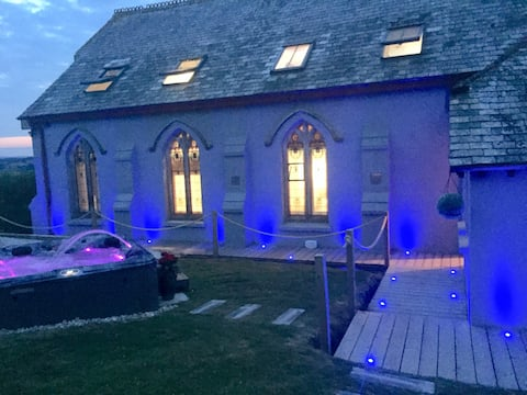 ***** The Old Chapel - Rural with private Hot Tub