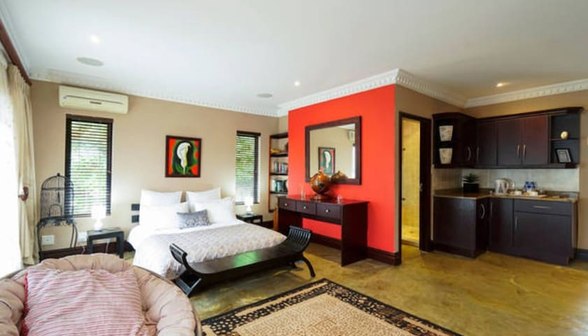 Pvt Room In La Lucia own entrance - Umhlanga - Casa