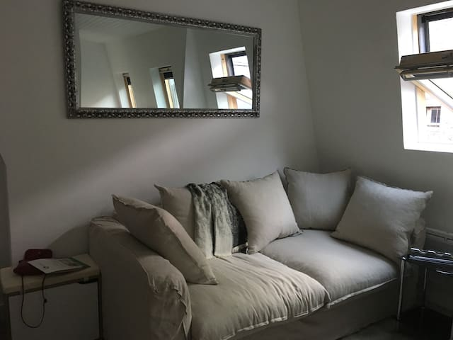Charming flat near Oberkampf