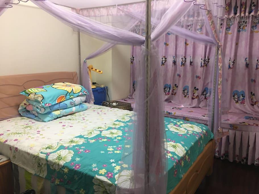 1.5米大床,精致舒适。