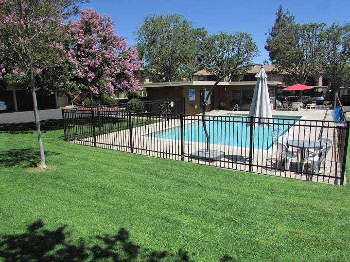 Newly remodeled 2br/2ba Condo
