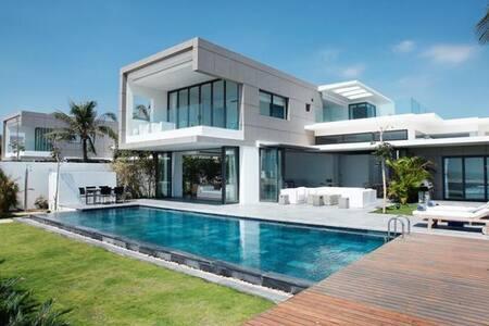 Luxury Villa River Front Sanctuary Ho Tram Resort