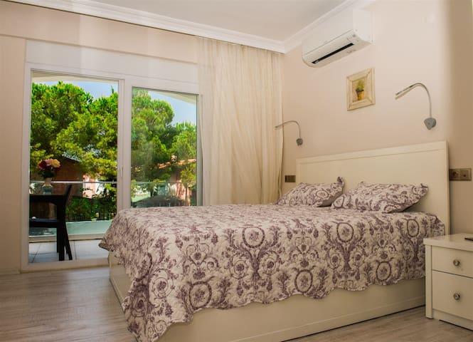 Master bedroom-1.