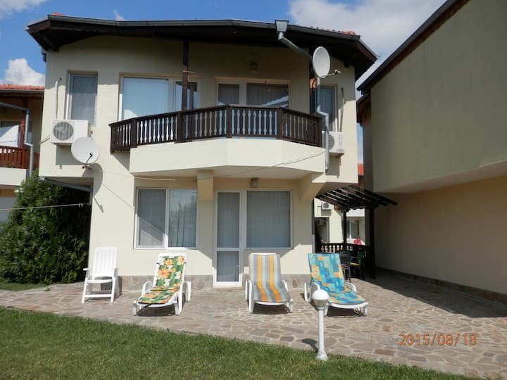 "Villa ""Stephanie"", just 150 m from beach"