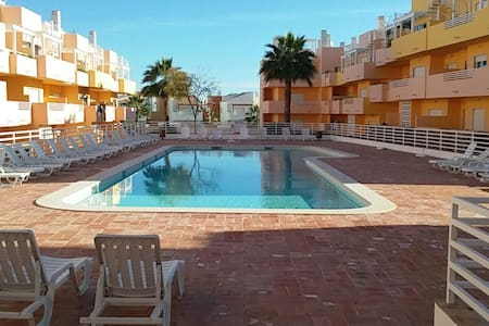 T2 condomínio privado com piscina. - Conceição - Apartament