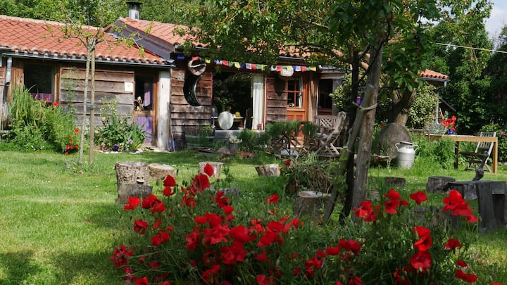 Petite maison écologique au cœur du marais